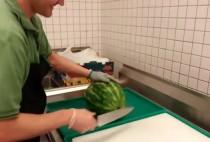 video whatsapp de como cortar sandia