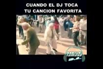 viejo bailando video whatsapp